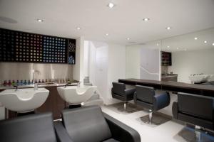shape hair design salon in teddington