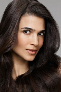 Help – I want to smooth my frizzy hair!